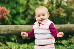 Bebê adorável que joga fora Fotos de Stock Royalty Free