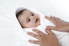 Bebê após o banho Fotos de Stock