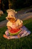 Bebê bonito com melancia imagem de stock royalty free