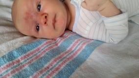 Bebê com Angel Kisses fotos de stock