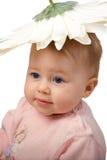 Bebê com chapéu da flor Imagem de Stock