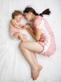 Bebê com mamã Fotografia de Stock Royalty Free