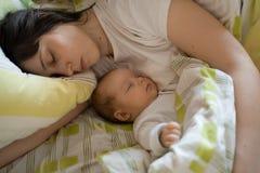 Bebê com matriz Fotografia de Stock