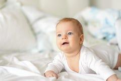 Bebê com olhos azuis Fotos de Stock Royalty Free