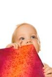 Bebê com uma caixa de presente Imagens de Stock