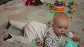 Bebê de seis meses vídeos de arquivo