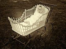 Bebê do vintage - boneca fotos de stock royalty free