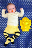 Bebê e Buddha Foto de Stock