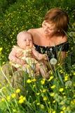 Bebê e matriz imagem de stock
