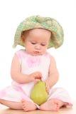Bebê e pera fotografia de stock