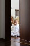 Bebê em seu quarto Foto de Stock Royalty Free