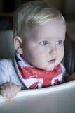 Bebê feliz em casa Imagens de Stock Royalty Free