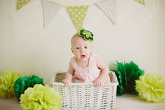 Bebê na caixa Fotos de Stock