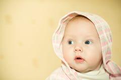 Bebê na capa fotos de stock royalty free
