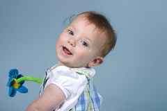 Bebê no azul Fotos de Stock Royalty Free