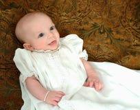 Bebê no vestido branco foto de stock royalty free