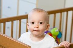 Bebê ou criança nova de olhos brilhantes fotos de stock royalty free