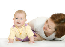 Bebê pequeno com a matriz isolada imagem de stock
