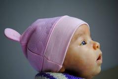 Bebê pequeno doce com chapéu imagem de stock