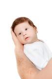 Bebê pequeno nas mãos do pai Imagens de Stock