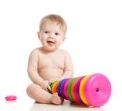 bebê que joga o brinquedo imagens de stock royalty free