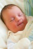 Bebê recém-nascido de sorriso Imagem de Stock Royalty Free