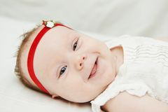 Bebê recém-nascido de sorriso Foto de Stock Royalty Free