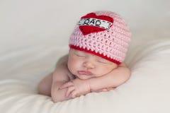 Bebê recém-nascido que veste a Fotografia de Stock Royalty Free