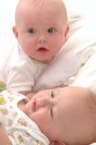 Bebês gêmeos idosos de seis meses Imagens de Stock Royalty Free