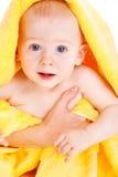 Bebê da terra arrendada da mão da matriz Fotos de Stock