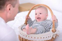Bebê e paizinho Fotografia de Stock
