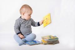Bebé y libros Foto de archivo