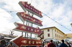 Bebe um Signage dos jogos no festival do pedreiro do forte Fotografia de Stock