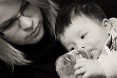 Beber do bebé Foto de Stock