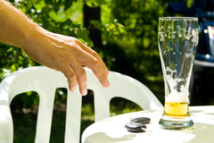 Beber e conduzir Fotografia de Stock Royalty Free
