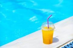 Bebida anaranjada del hielo Foto de archivo libre de regalías