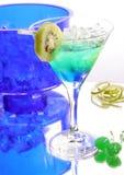 Bebida azul com quivi imagens de stock