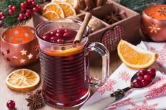 Bebida caliente reflexionada sobre del invierno del vino Foto de archivo