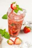 Bebida, choque de la fresa Imagen de archivo