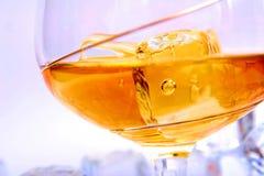 Bebida com cubo de gelo fotografia de stock