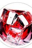 Bebida com cubos de gelo Fotos de Stock