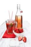 Bebida con la fresa fresca Foto de archivo libre de regalías