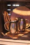A bebida, cozinha, jarro, água, ícones dos dispositivos, dispositivos, ferramentas da cozinha, metal, árvore, cozinheiro, pratos  Imagens de Stock Royalty Free