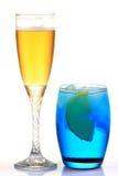 Bebida de Apple e de Curaçau foto de stock royalty free