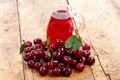 Bebida de la cereza imagenes de archivo