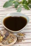 Bebida de la medicina china foto de archivo