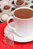 Bebida de la tarjeta del día de San Valentín del chocolate caliente Fotografía de archivo