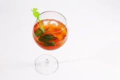 Bebida do cocktail com cubos de gelo Foto de Stock