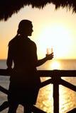 Bebida do por do sol imagens de stock