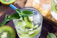 Bebida do quivi (cocktail) Fotografia de Stock